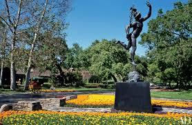 mj statues 2